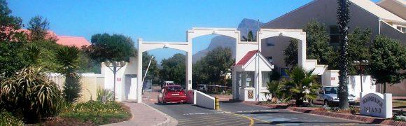 Woodbridge island main gate